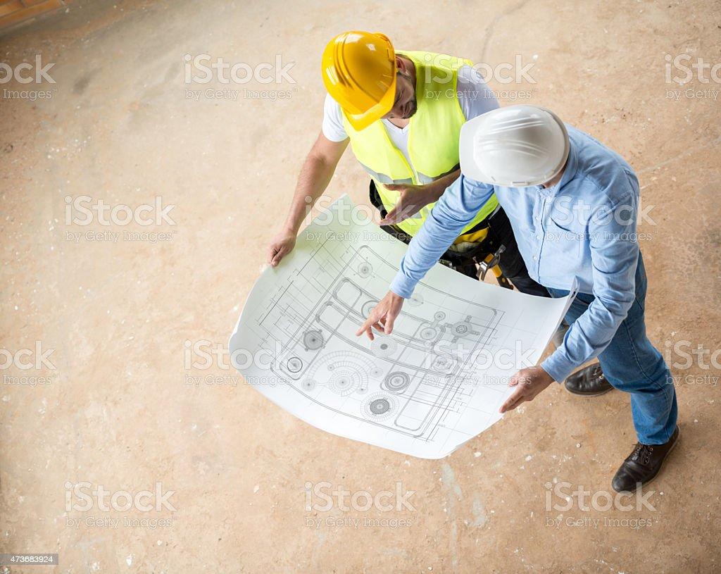 Bau Arbeiter Blick in die Werkzeuge – Foto