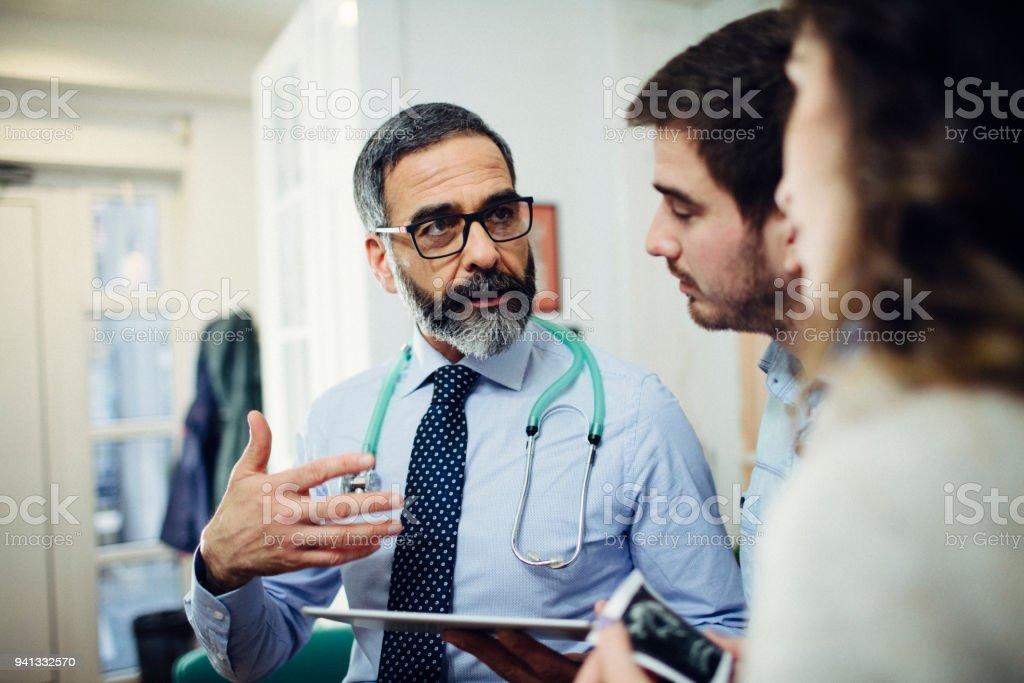 Beratung In der Arztpraxis – Foto