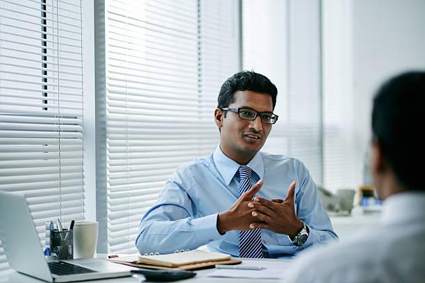 consulting coworker - indische kultur stock-fotos und bilder