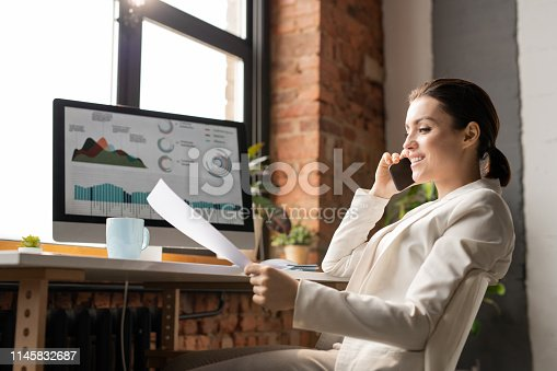 istock Consulting in office 1145832687