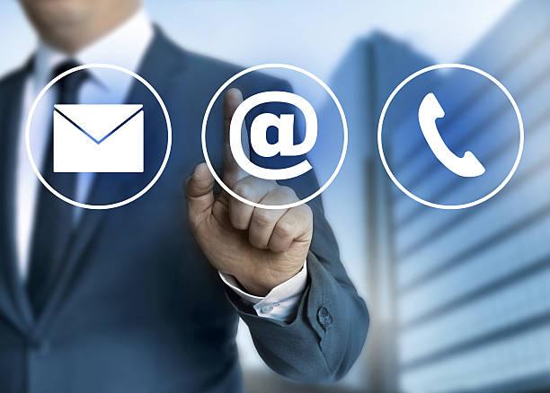 Wenden Sie sich per E-Mail, Post und Telefon-Konzept – Foto