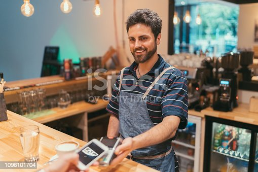 istock Contactless payment 1096101704