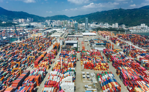 Containerschiffterminal in China – Foto