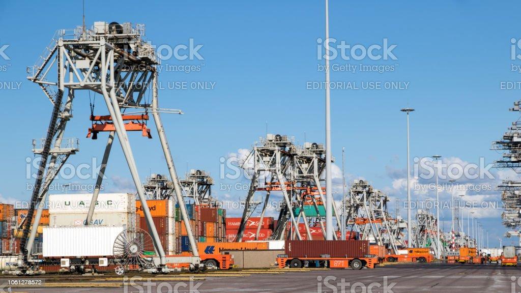Container verschiffen Hafenterminal – Foto