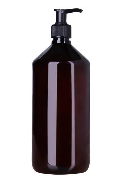 container mit batcher - braunglasflaschen stock-fotos und bilder