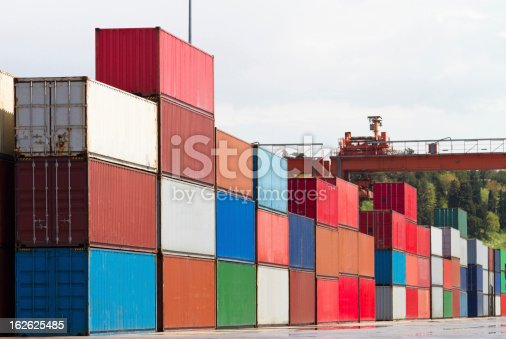 istock Containers 162625485