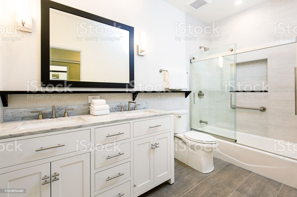 Contemporary Bathroom Design With Vanity And Shower Bathtub Stock Photo Download Image Now Istock