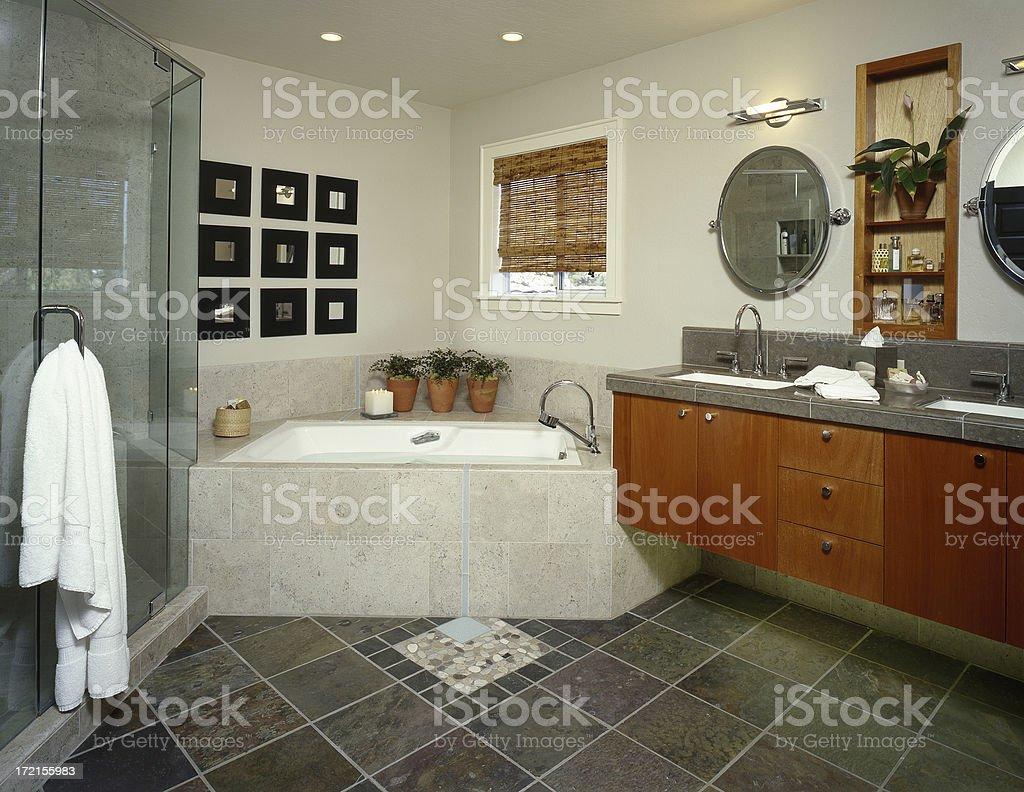 Sol En Ardoise Maison photo libre de droit de salle de bains moderne avec sol en