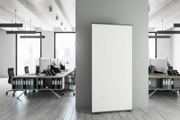 Zeitgenössische Coworking Interieur mit billboard – Foto