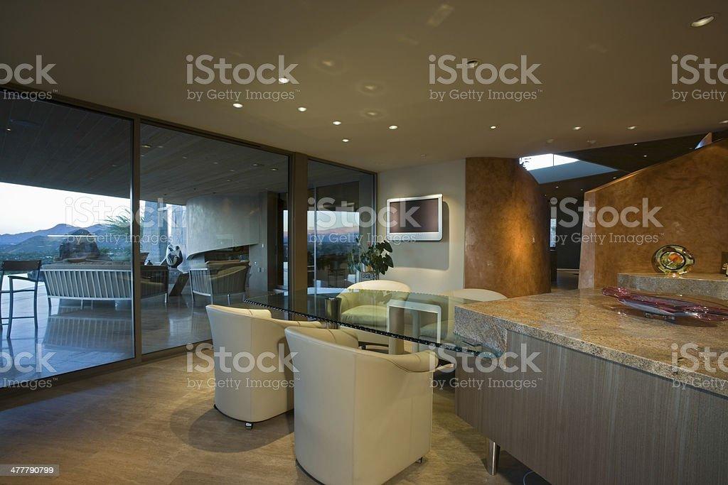 Sala Da Pranzo Contemporanei - Fotografie stock e altre immagini di ...