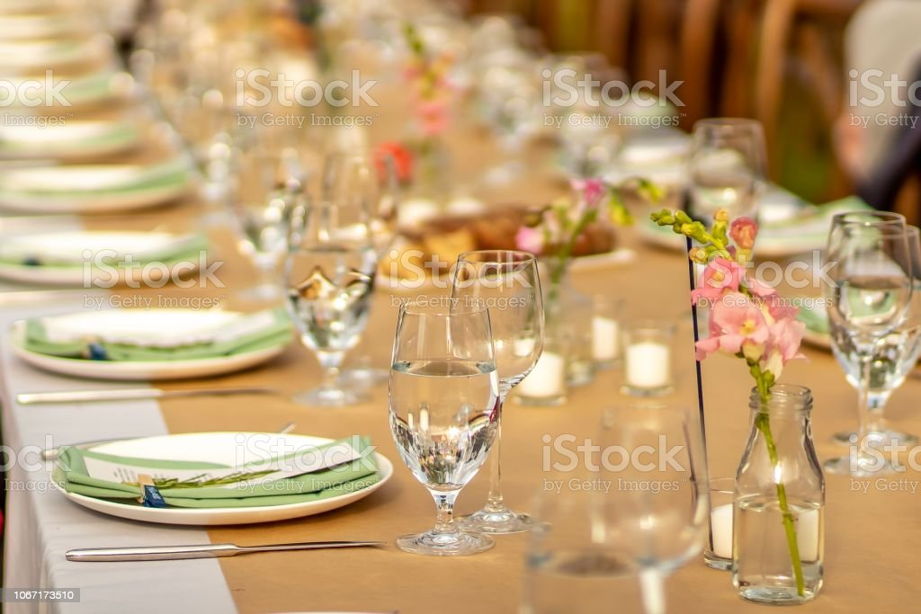 Contemporary Elegant Wedding Tablescape