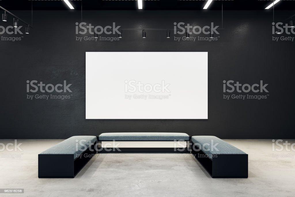 Salão de exposição contemporânea com banner vazio - Foto de stock de Apartamento Tipo Loft royalty-free