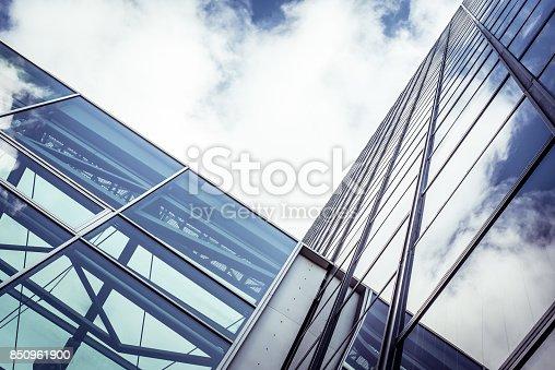 490774222 istock photo contemporary glass skyscraper 850961900