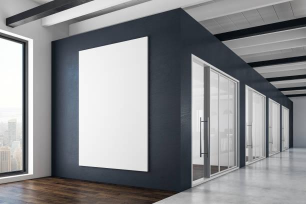 Moderne Inneneinrichtung mit leeren Plakat – Foto