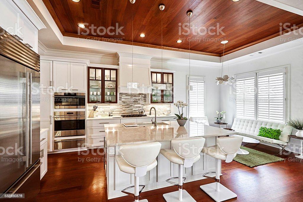 Cozinha contemporânea - foto de acervo