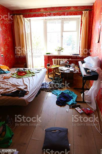 Contemporary room picture id610435744?b=1&k=6&m=610435744&s=612x612&h=zrdzrt2ydzvnfygvmnryinflp7nv tt7bgtuhzjysxm=