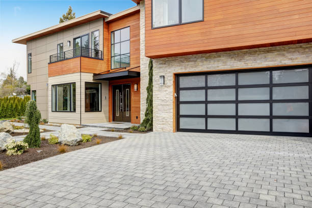 Contemporary style home in Bellevue stock photo