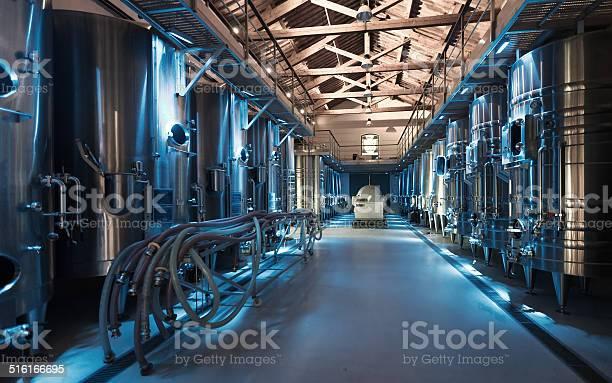 Moderne Winzer Factory Stockfoto und mehr Bilder von Alkoholisches Getränk