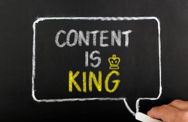 inhalt ist mit king-size-bett - gute webseiten stock-fotos und bilder