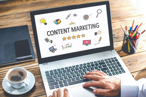Content-Marketing-Konzept auf Laptop-Monitor – Foto