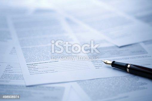 istock Contract 498908974