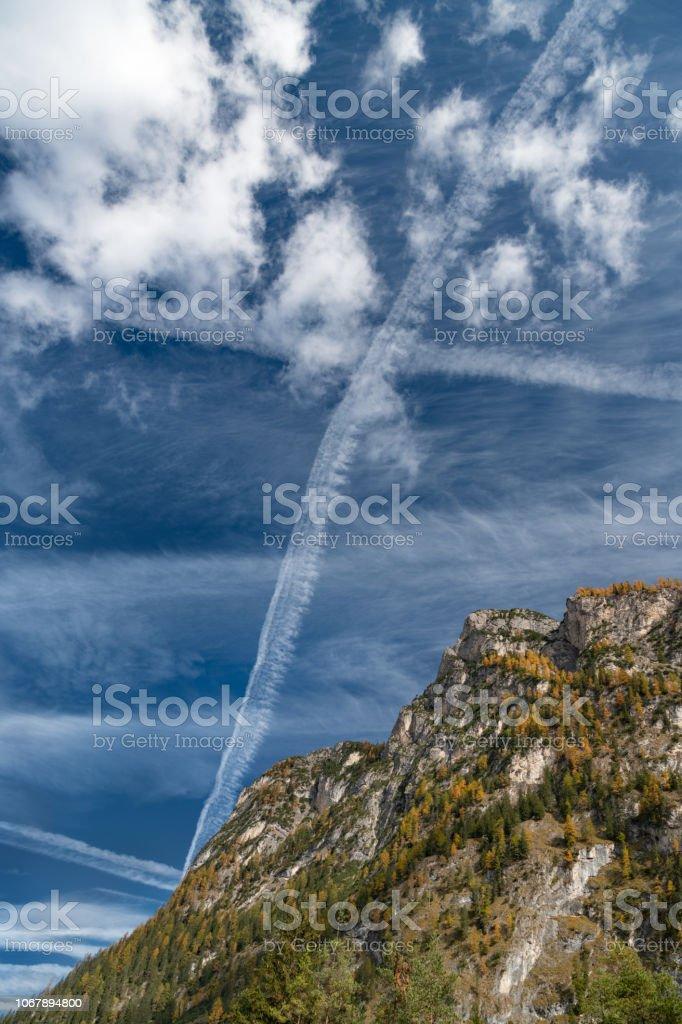 Kondensstreifen, Chemtrails, Kondensstreifen, Alpen – Foto