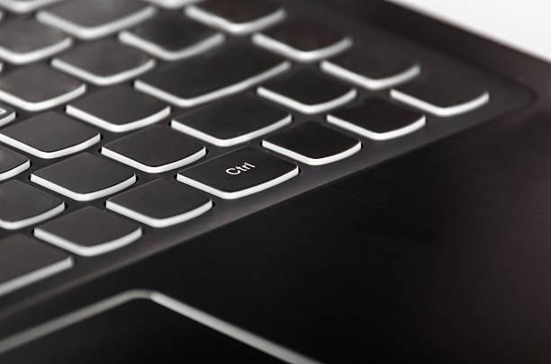 Clave de Control sobre negro, teclado de la computadora portátil - foto de stock