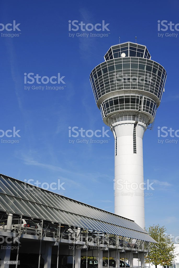 Torre de control del Aeropuerto de munich - foto de stock