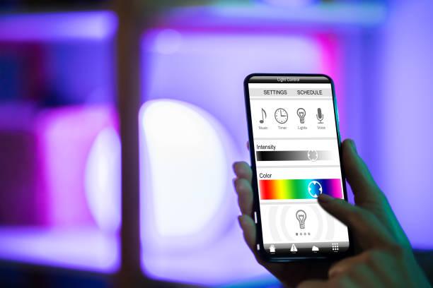 Steuern von Licht mit Anwendung – Foto