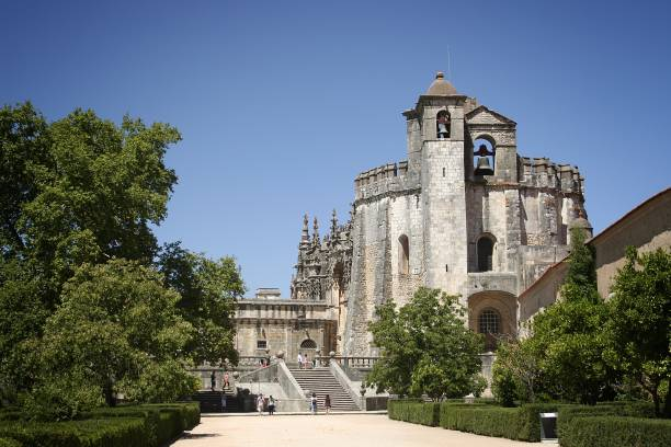 convent of christ in tomar, portugal - knights templar stock pictures, royalty-free photos & images