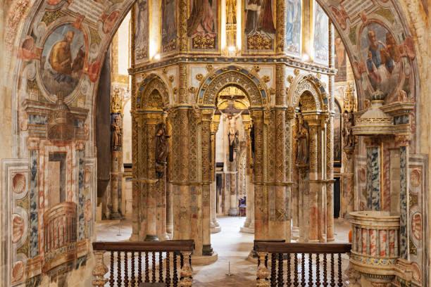 convent of christ interior - fotos de cristo rei lisboa imagens e fotografias de stock