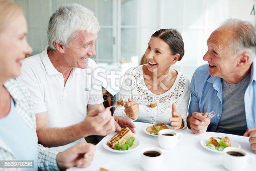 istock Conversation by dessert 853970296