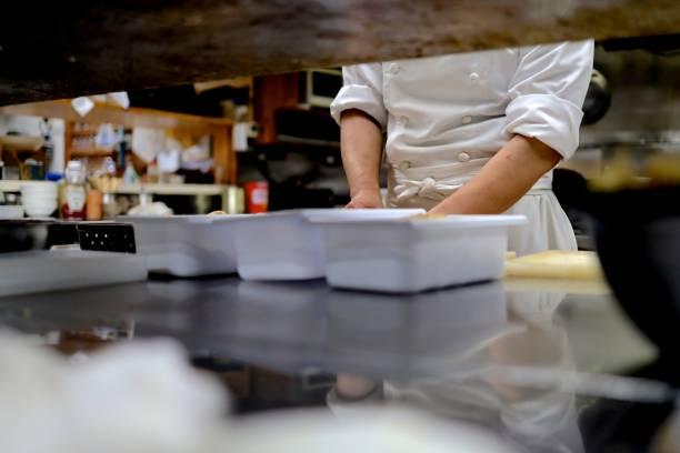 烹飪在廚房準備蔬菜圖像檔