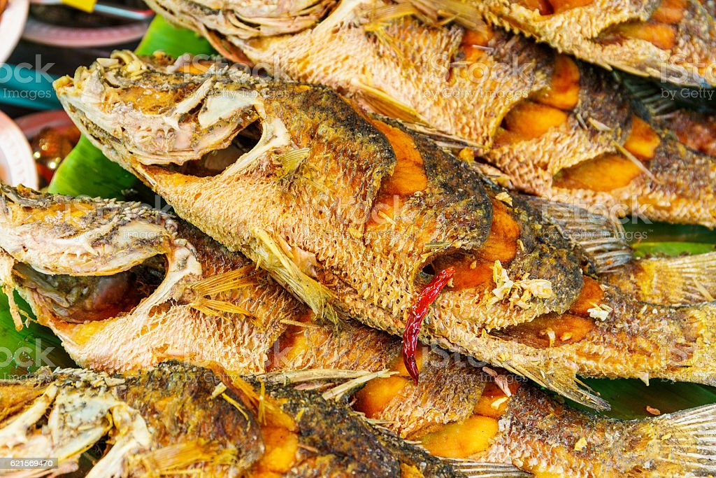 Cooked fish for sale foto stock royalty-free