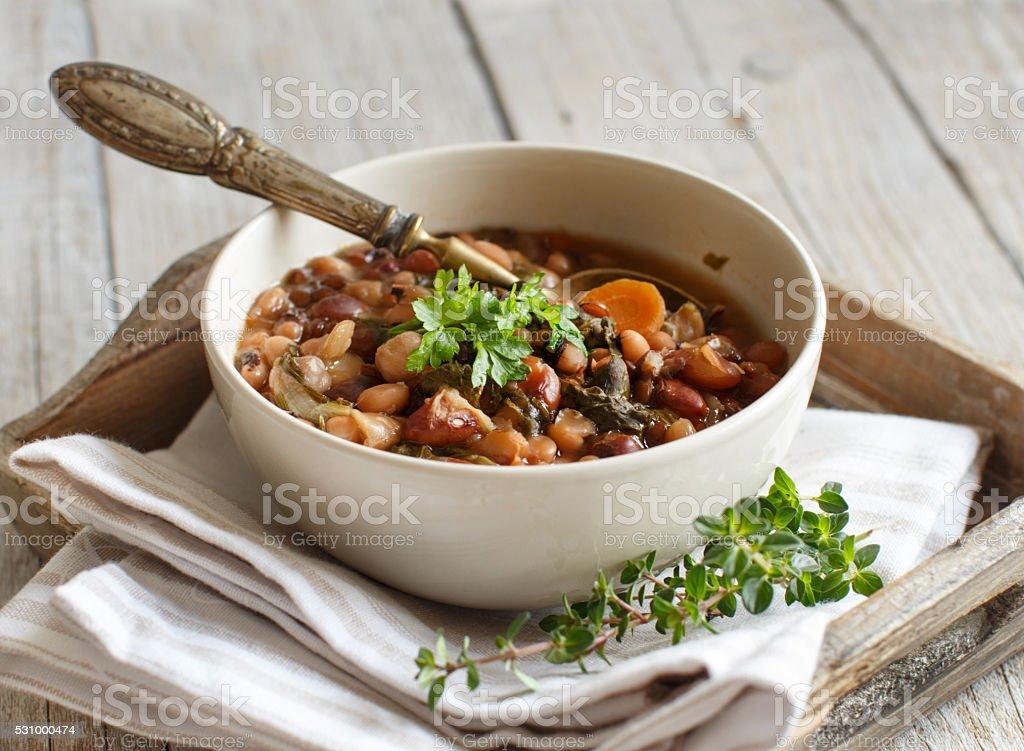 Leguminosas para grão e leguminosas cozidos em uma tigela - foto de acervo