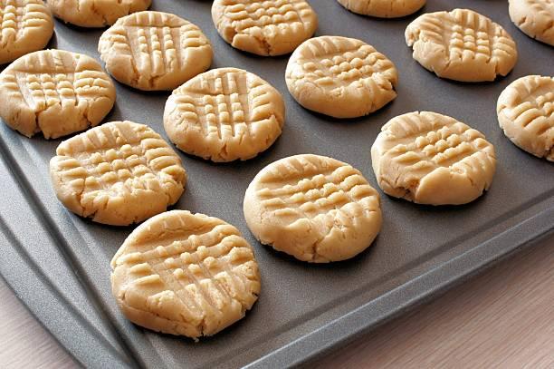 cookie dough ready for baking - bakplåt bildbanksfoton och bilder