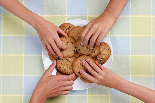 cookie snack plate - gchutka stock pictures, royalty-free photos & images