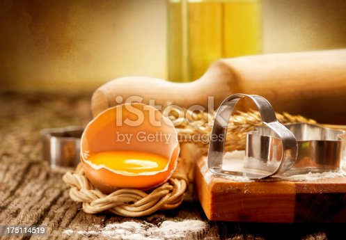 istock Cookie-cutter forms 175114519