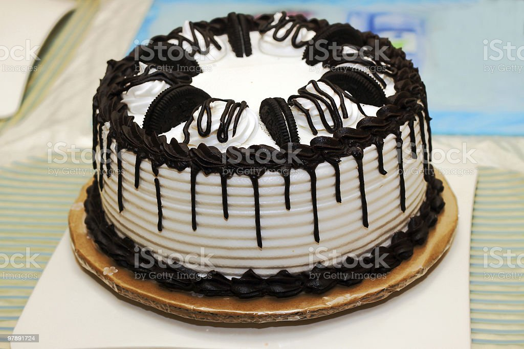 Outstanding Cookies And Cream Cake Stock Photo Download Image Now Istock Funny Birthday Cards Online Hendilapandamsfinfo