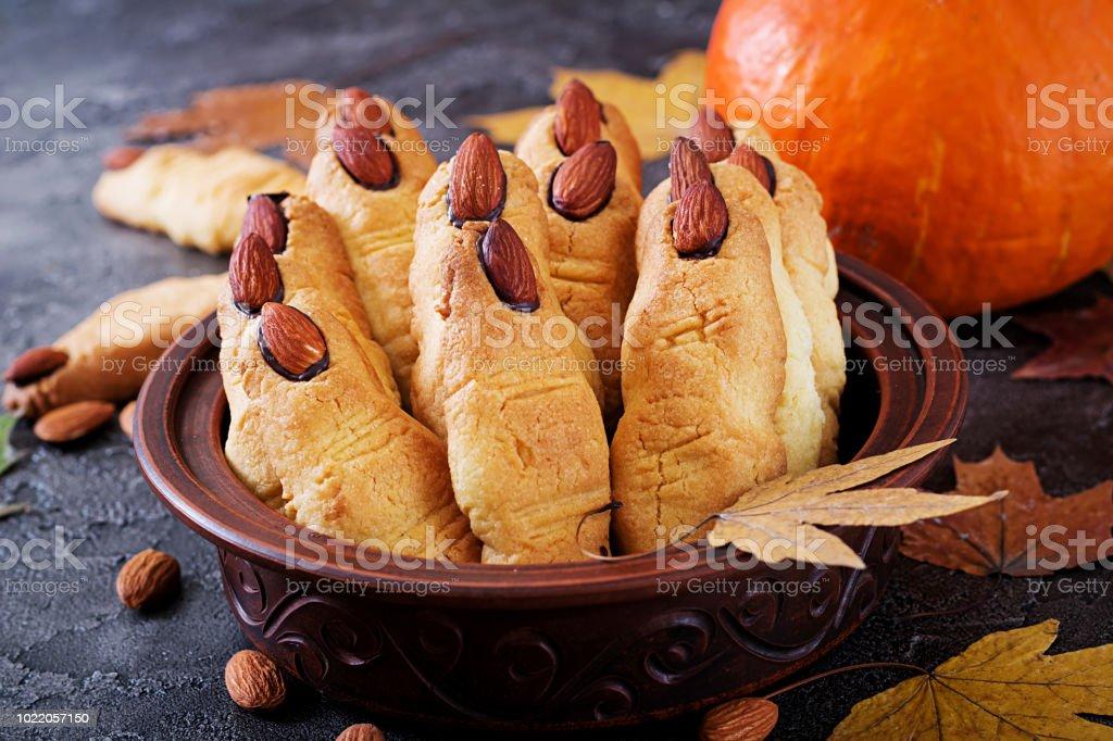 Cookies Hexe Finger, lustige Rezept für Halloween-Party. – Foto