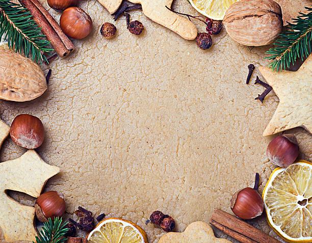 kochen und backen weihnachtsplätzchen - kokoskuchen stock-fotos und bilder