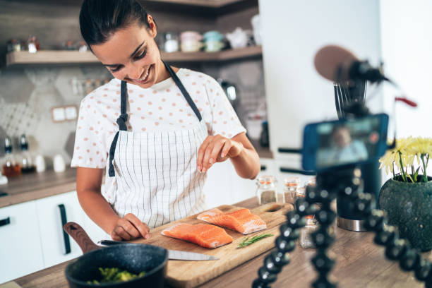 cooking and vlogging - side hustle stock pictures, royalty-free photos & images
