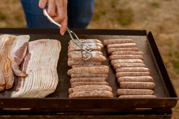 Kochen Speck Wurst Picknick-Abendessen an Land am Santaquin Tal von Salt Lake City SLC Utah USA – Foto