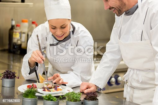 istock Cooking class 677682900