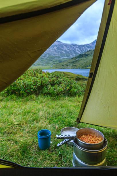 Essen kochen im Zelt – Foto