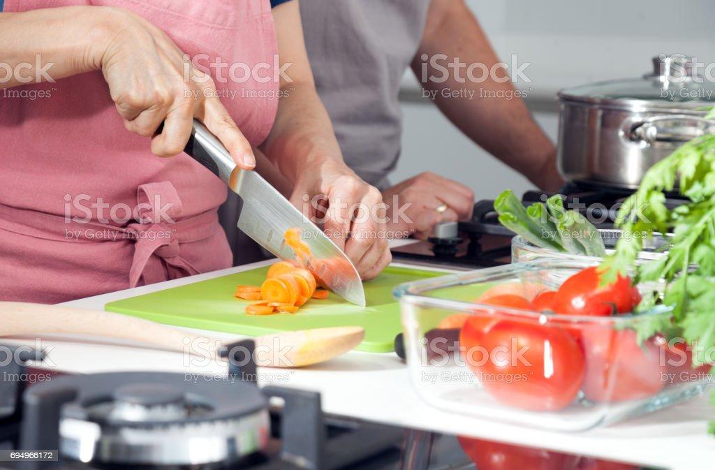 Cuisine leçon, groupe, gros plan de mains - Photo