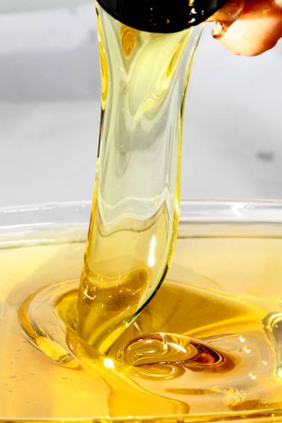 cooking oil - palm oil bottles imagens e fotografias de stock