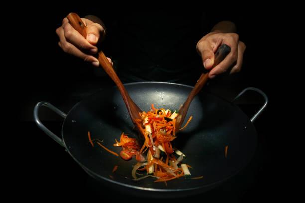 Cocina en sartén Wok.. - foto de stock