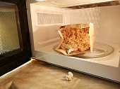 cooking popcorn in the microwave