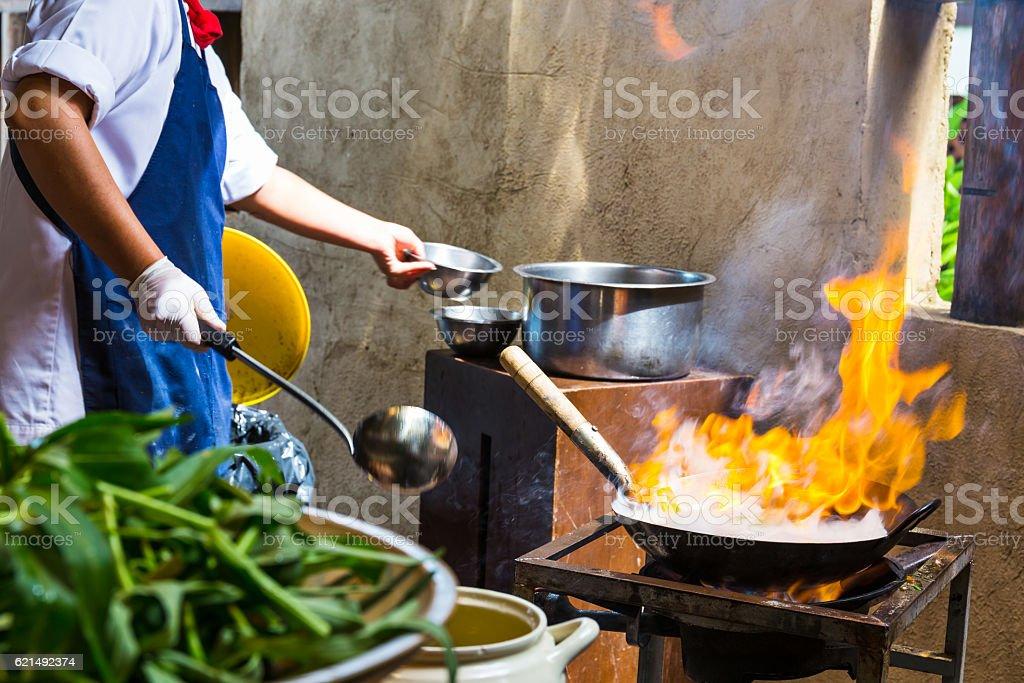 Cooking pot on fire Lizenzfreies stock-foto